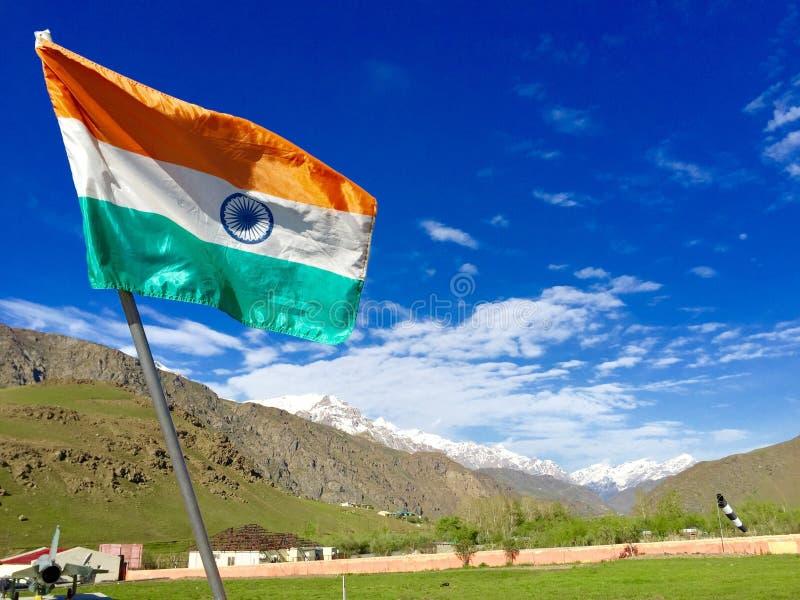 Indisk flagga - Kargil, Kashmir, Indien royaltyfri foto