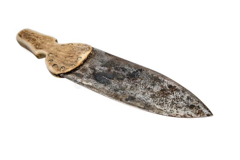 Indisk hand-f?rfalskad kniv med benhandtaget som isoleras p? vit royaltyfri bild