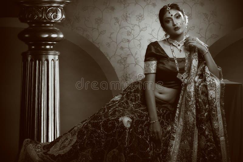 Indisk kunglig brud fotografering för bildbyråer