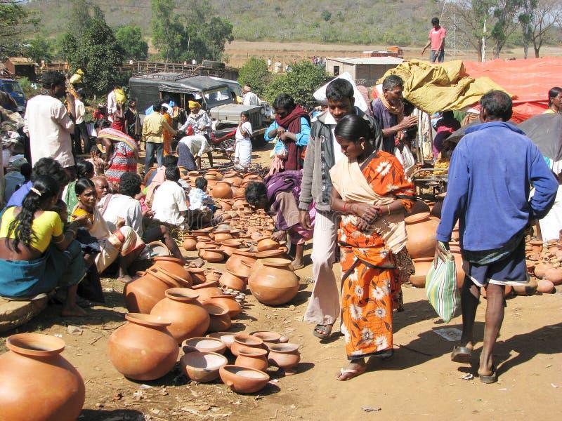 indisk lantlig marknadskrukmakeri för område arkivfoto