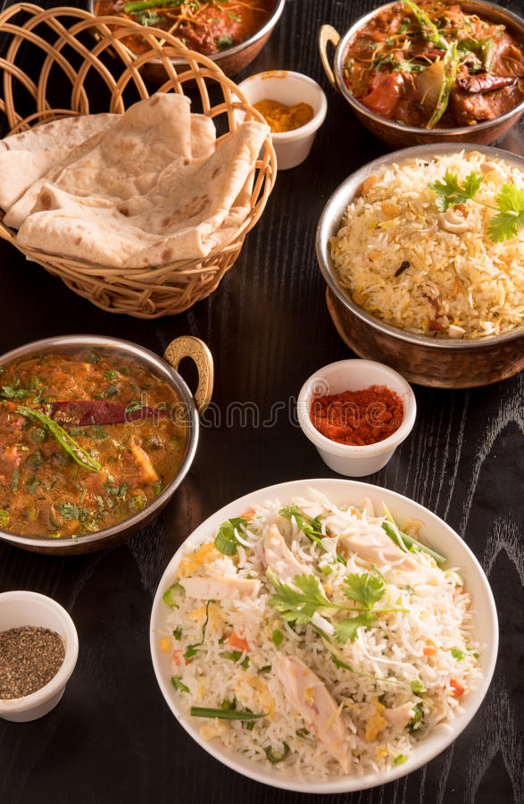 Indisk mat; curry chapathi, stekte ris royaltyfri fotografi