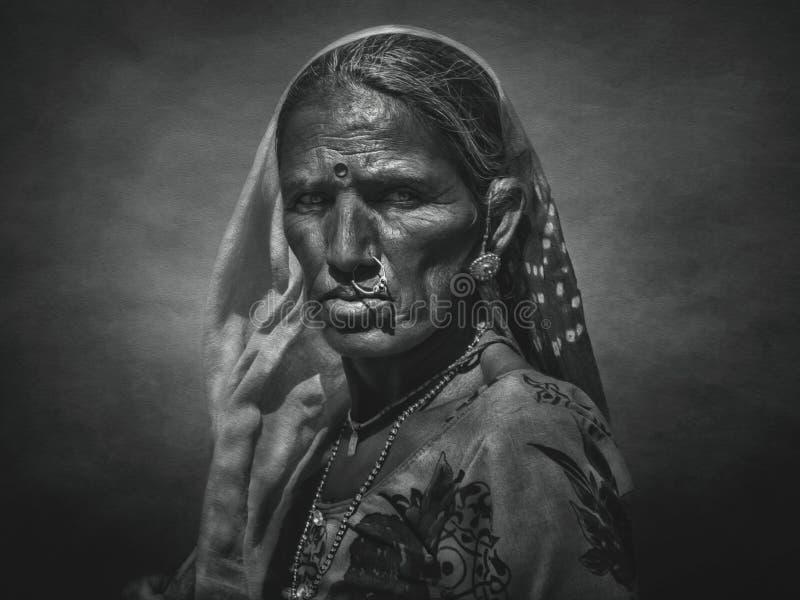 Indisk stam- kvinna från Pushkar Med konstfiltret fotografering för bildbyråer