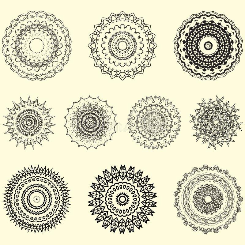 Indisk vektor och dekorativ upps?ttning av mandalaen och den geometriska prydnaden stock illustrationer