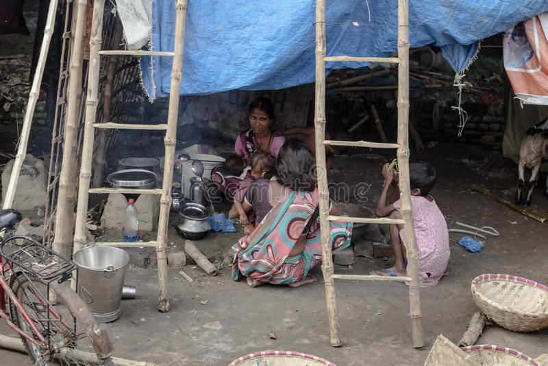 Indiska familjeliv i byar runt om det Khejarla fortet royaltyfri bild