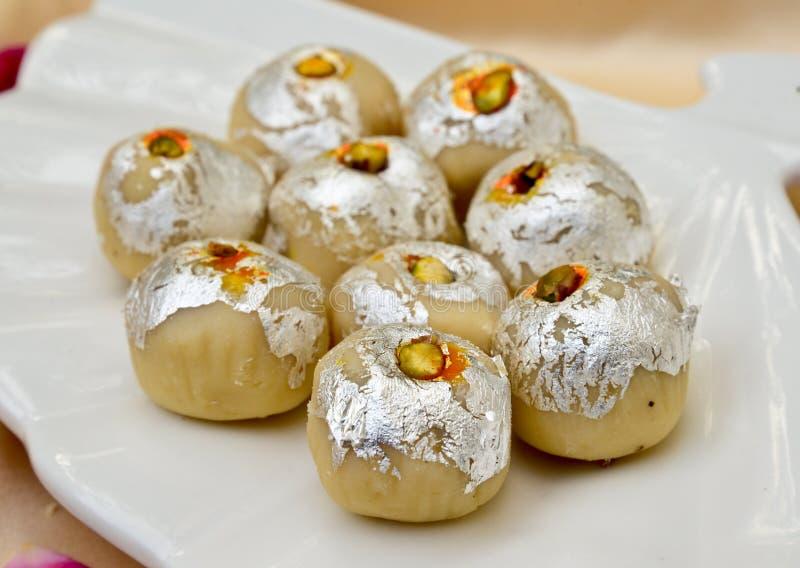 Indiska sötsaker - Mithai royaltyfri foto