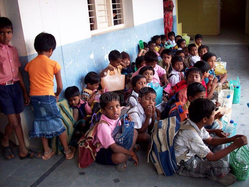 indiska schoolboys royaltyfria bilder