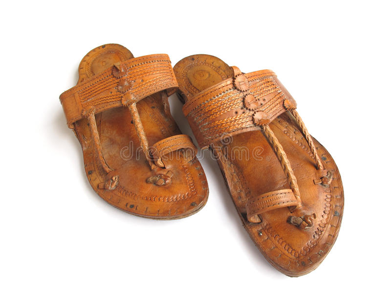 indiska traditionella lädersandals arkivbilder
