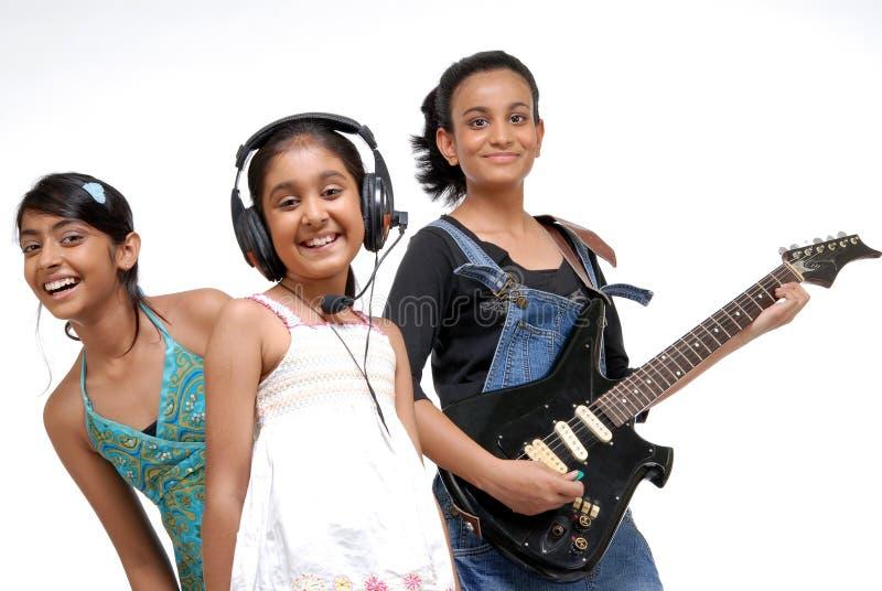 Indiskt barnmusikmusikband arkivbild