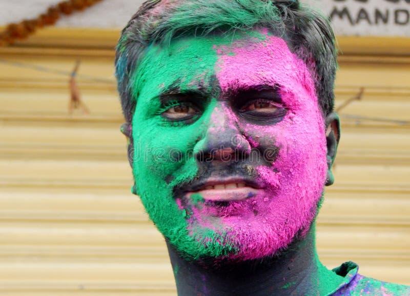 Indiskt hinduiskt firar Holi eller indisk hinduisk festival av färger en årlig händelse arkivbild