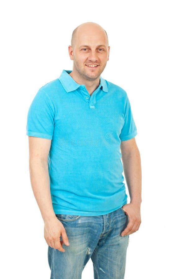 Indivíduo feliz no t-shirt do espaço em branco do turquise fotografia de stock
