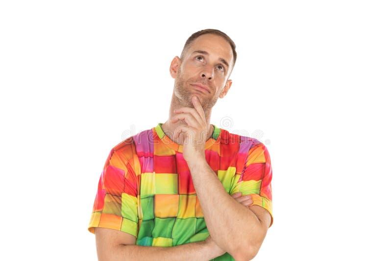 Indivíduo pensativo com tshirt colorido fotografia de stock royalty free