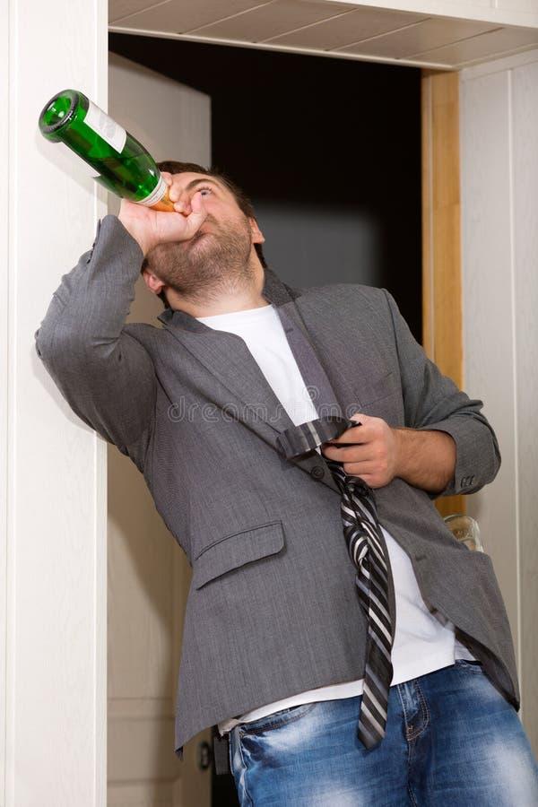 Individuo borracho foto de archivo