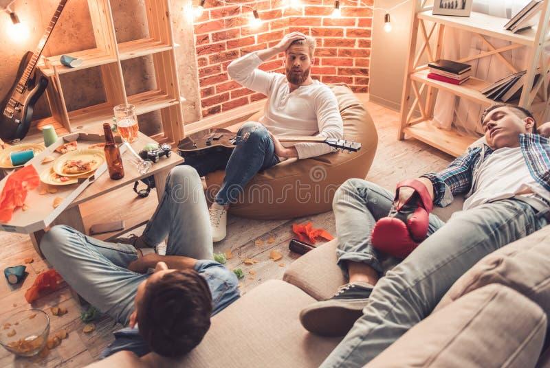 Individuos después del partido fotografía de archivo