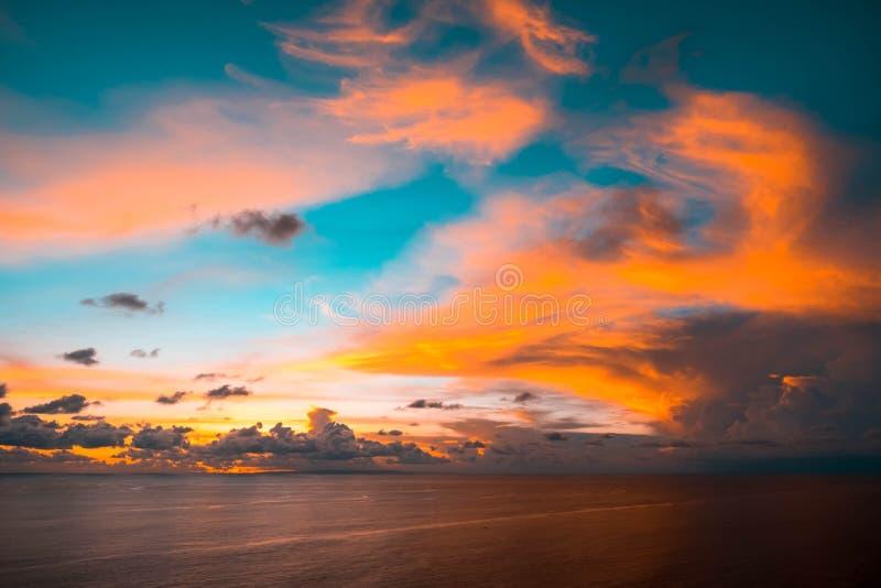 Indonésia, Bali - opinião do céu do por do sol Skyscape fotografia de stock royalty free