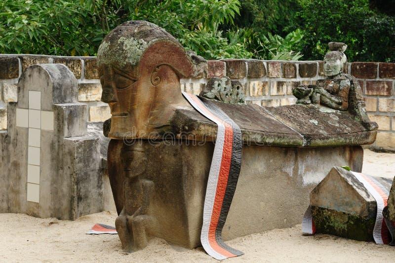 Indonesië, het Noorden Sumatra, Oud graf stock foto