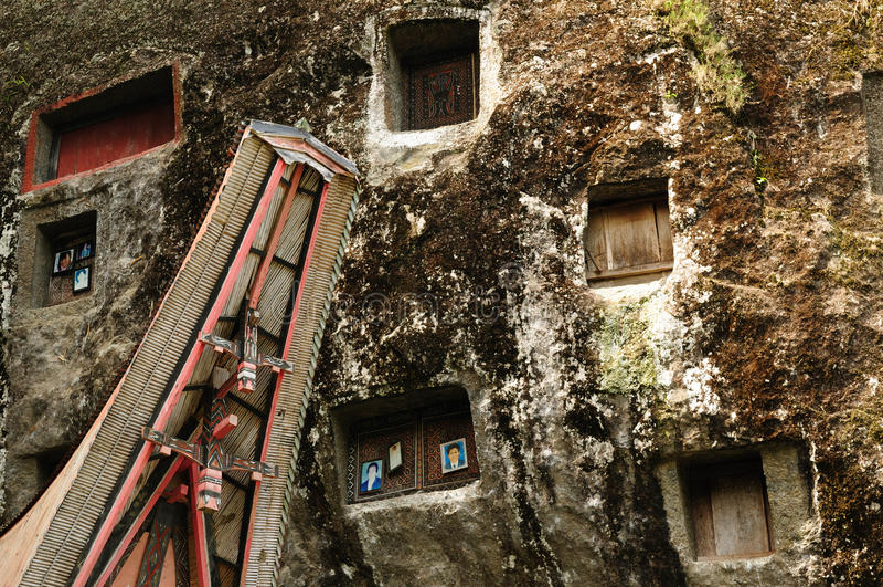 Indonesia, Sulawesi, Tana Toraja, Ancient Tomb Editorial Stock Image