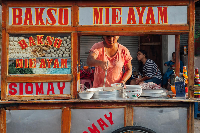 Download Indonesian Meatball Soup Street Stall, Bali Editorial Image - Image of noodles, place: 74166725