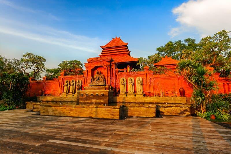 Das Temple of Dawn lizenzfreie stockfotos