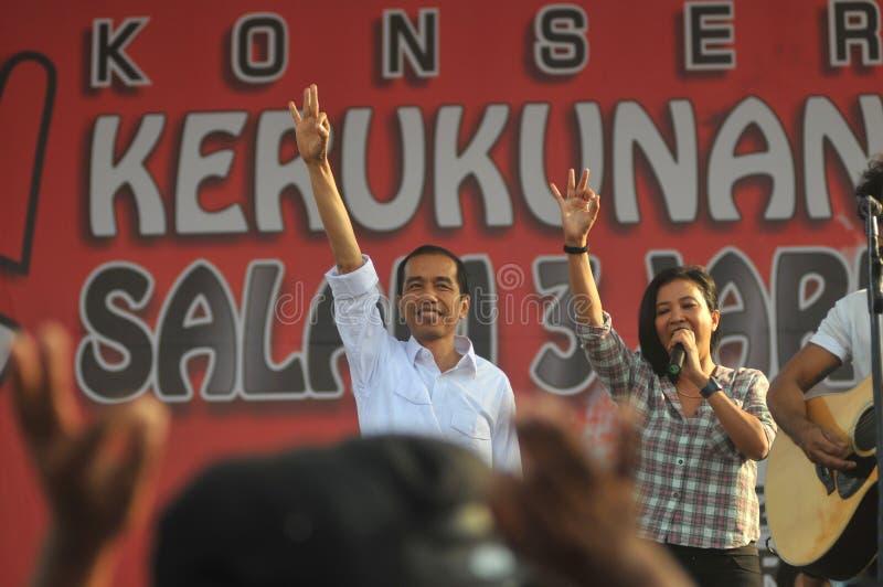 Indonesien politik - en konsert som firar segern av Joko Widodo som presiden-utvald arkivbilder