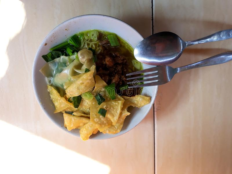 Indonesisch Traditioneel voedsel Mie Ayam is een traditioneel straatvoedsel royalty-vrije stock afbeeldingen