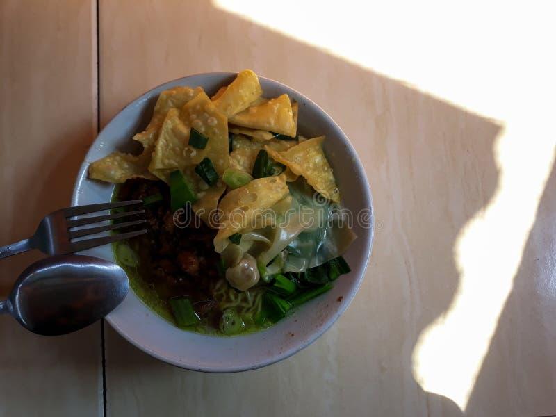 Indonesisch Traditioneel voedsel Mie Ayam is een traditioneel straatvoedsel royalty-vrije stock foto