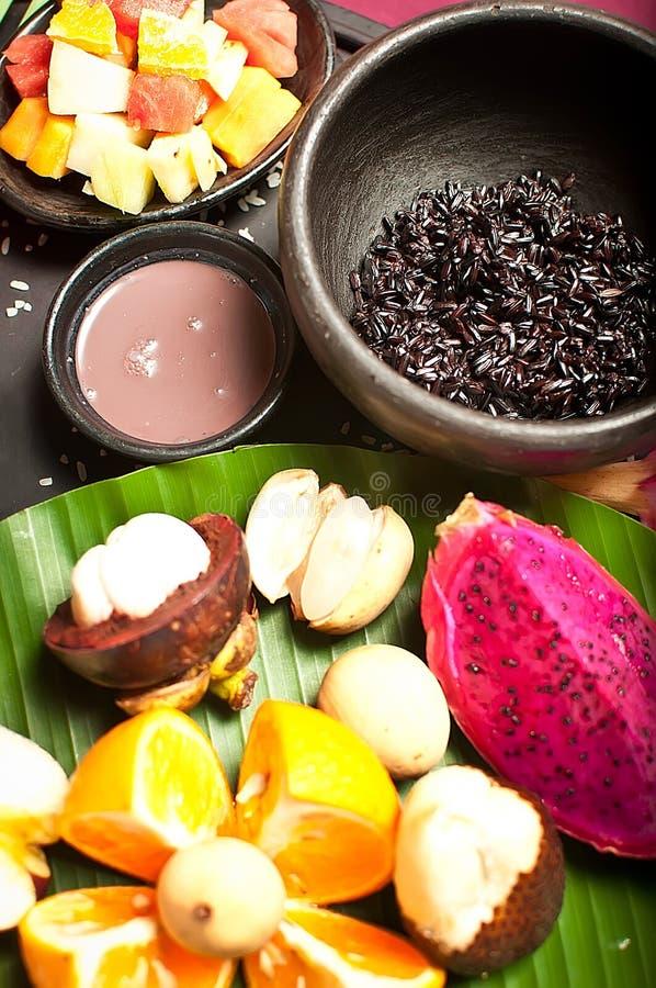 Indonesisch voedsel met Fruit stock afbeeldingen