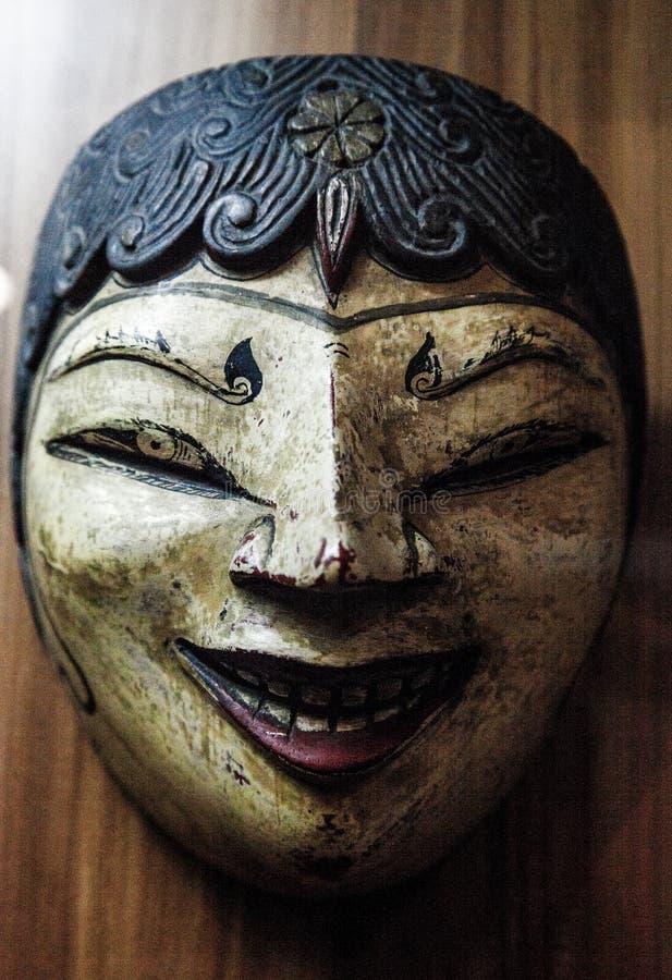 Indonesisk traditionell trämaskering royaltyfri bild