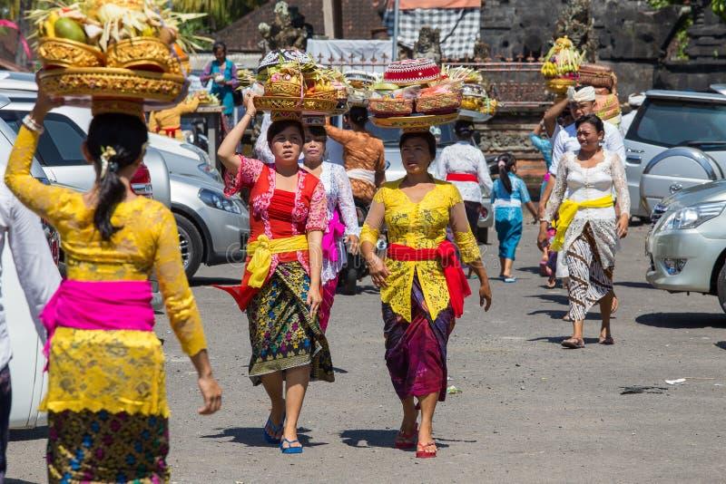 Indonezyjscy ludzie świętują balijczyka nowego roku i przyjazdu wiosna Ubud, Bali, Indonezja zdjęcia stock