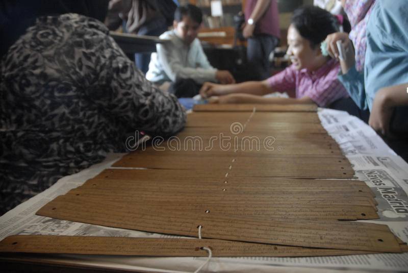 INDONEZYJSKIE ANTYCZNE ślimacznicy finansowania potrzeby zdjęcia stock