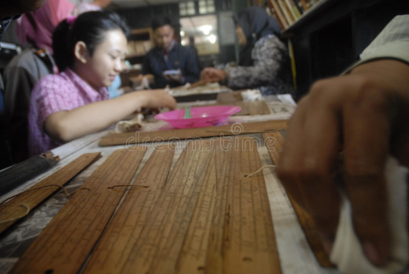 INDONEZYJSKIE ANTYCZNE ślimacznicy finansowania potrzeby zdjęcie royalty free