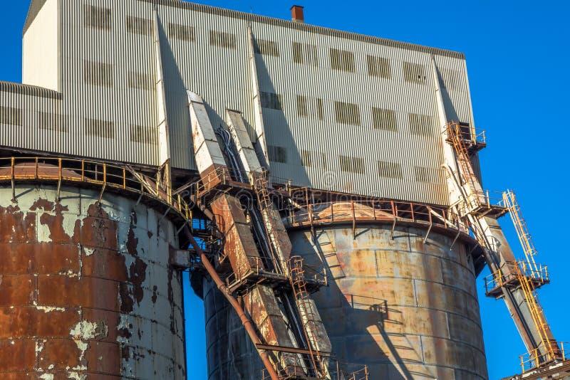 Industriële chemische installatie stock foto