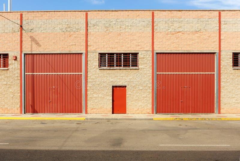 Industriële gesloten pakhuizen wegens de economische crisis royalty-vrije stock fotografie