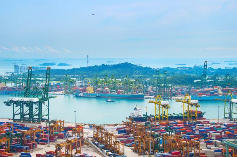 Industriële haven Singapore stock foto's