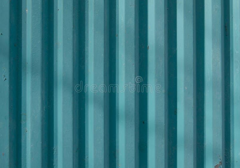 Industriële metaalomheining Ijzer blauw golfprofiel stock afbeeldingen