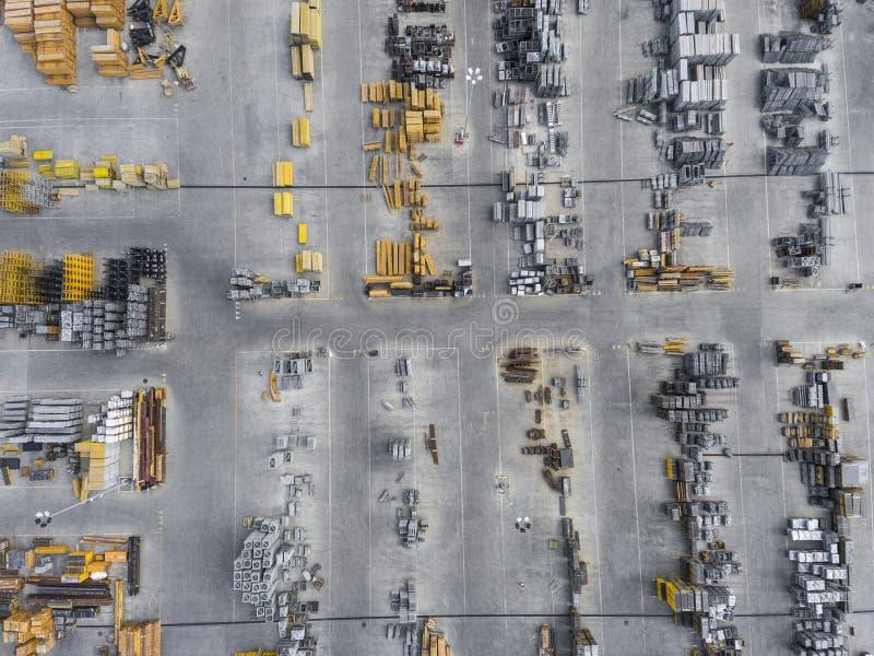Industriële opslagplaats, mening van hierboven royalty-vrije stock afbeeldingen