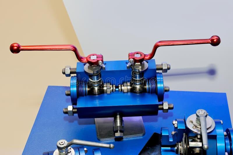 Industriële roterende klep voor het door buizen leiden stock afbeeldingen