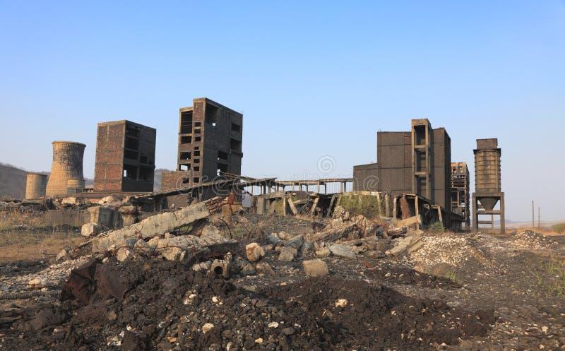Industriële ruïnes stock afbeeldingen