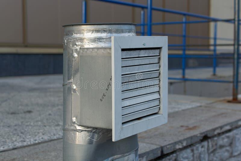 Industriële van de staalairconditioning en ventilatie systemen stock afbeeldingen