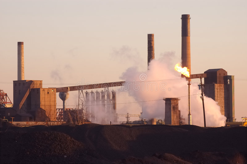 Industria de acero del amanecer imagen de archivo libre de regalías