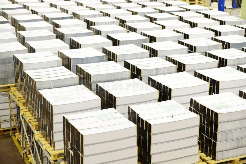 Industria de la imprenta con muchos libros fotos de archivo libres de regalías