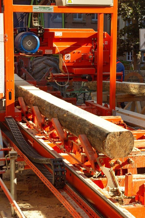 Industria de registración - equipo para la fabricación de la madera imágenes de archivo libres de regalías