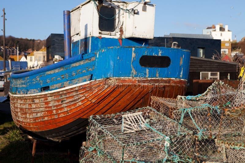 Industria Hastings Inglaterra del barco de pesca del barco rastreador fotografía de archivo