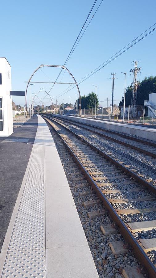 Industria pesante moderna del binario della stazione ferroviaria Trasporto del trasporto immagine stock