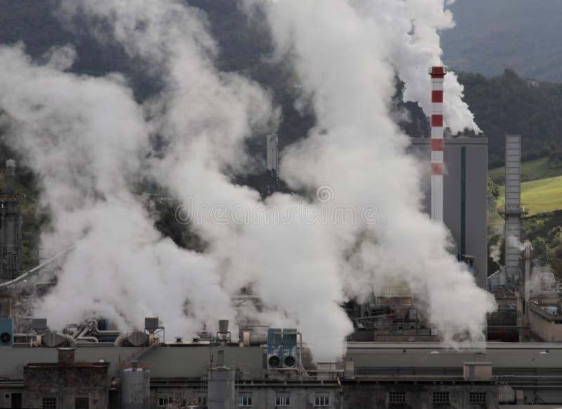 Industria y contaminación fotos de archivo