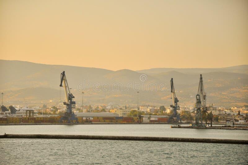 Download Industrial foto de stock. Imagem de montanhas, guindaste - 26502608