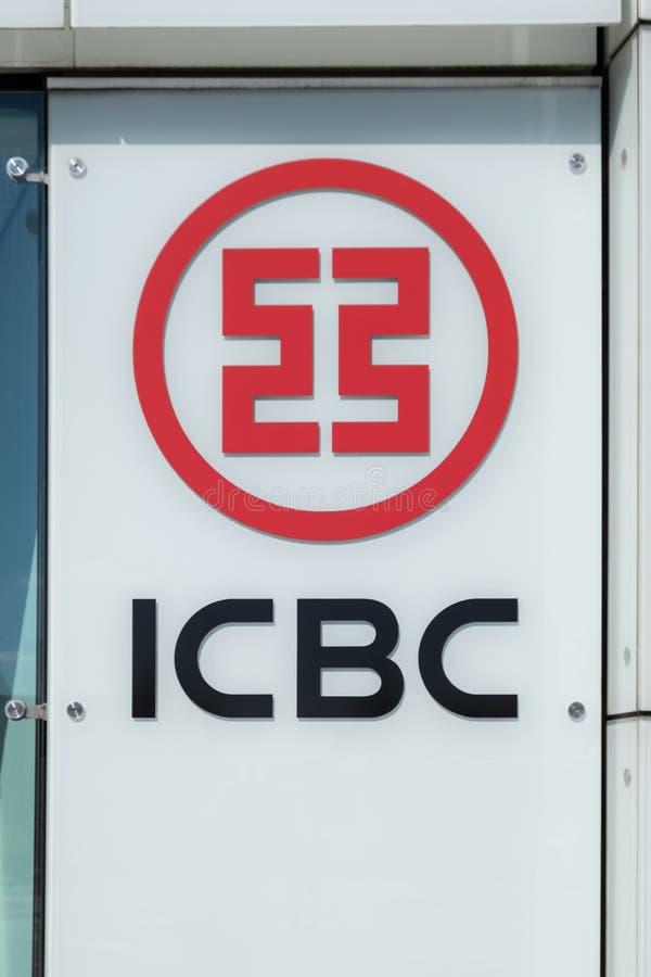 Industrial e Commercial Bank de China - ICBC - sinal fora do escritório em Luxemburgo imagens de stock royalty free