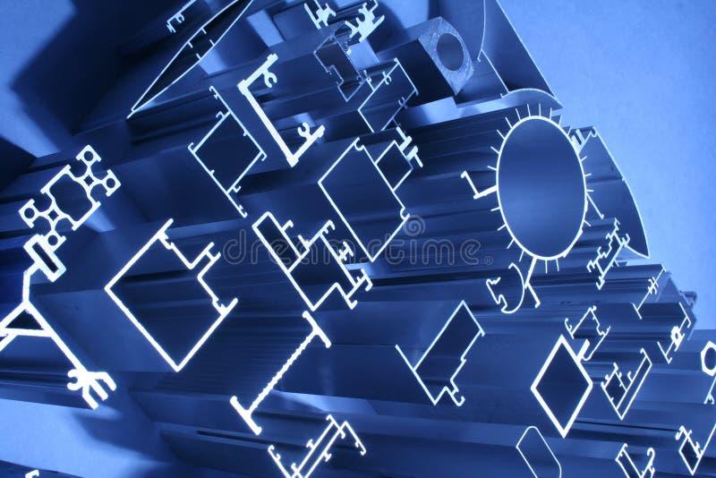 Industriale astratto delle estrusioni di alluminio immagini stock