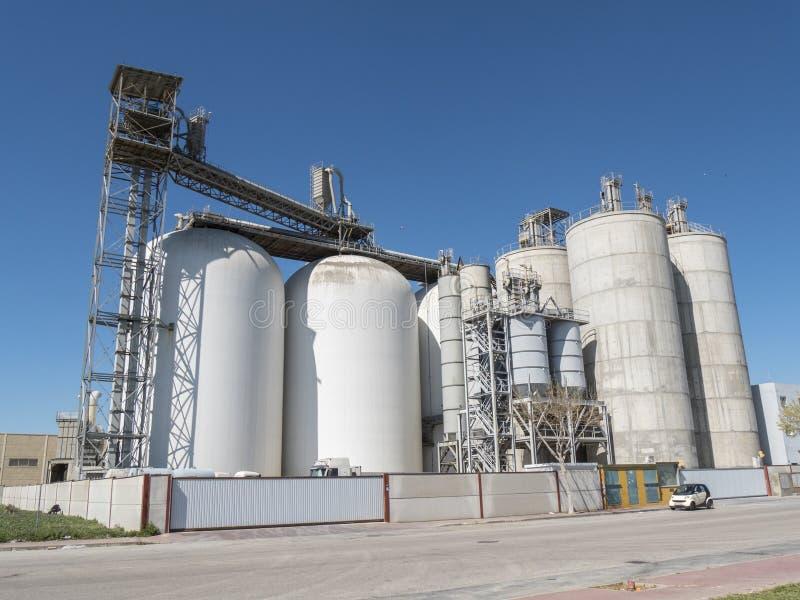 Industribyggnad fabrik arkivbilder