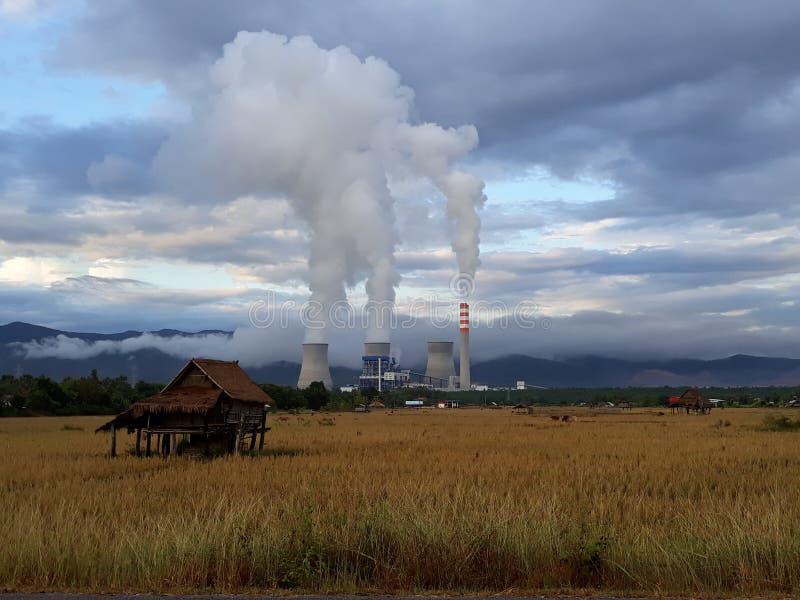 Industrie in bos stock foto's