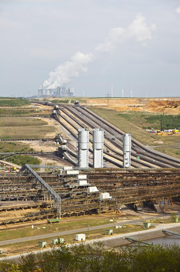 Industrie charbonnière et mine de Brown images stock